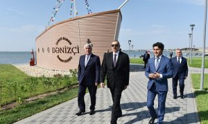 Ilham Aliyev views Narakand complex in Pirallahi district of Baku