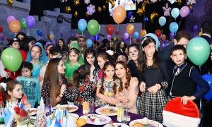 Heydar Aliyev Foundation arranges annual New Year party for children (PHOTO)