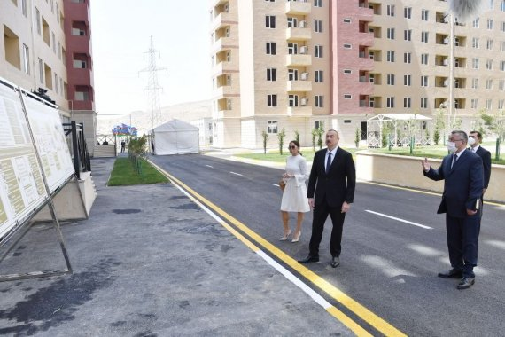Azerbaijani president, first lady inaugurate Gobu Park-3 residential complex for IDPs (PHOTO)